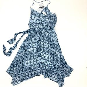 NWT Banana Republic blue and white patterned dress